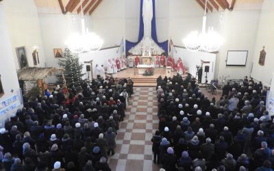 Bažnyčios jubiliejaus iškilmės subūrė bendruomenę kalėdiniam džiaugsmui ir bendrystei