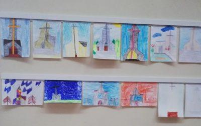 Vaikų dovana bažnyčiai – jų piešiniai ir rašiniai