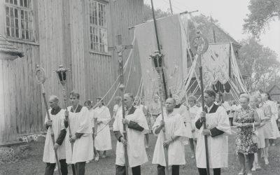 Baranausko fotografuoti Šv. Lauryno atlaidai po 50 metų sugrįžta į Palūšės bažnyčią